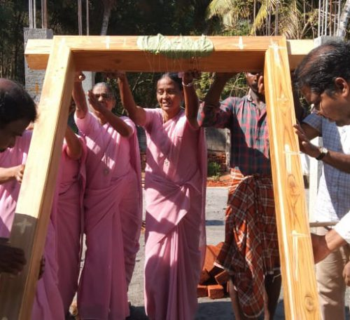 raising-entrance-door-ceremony-00002