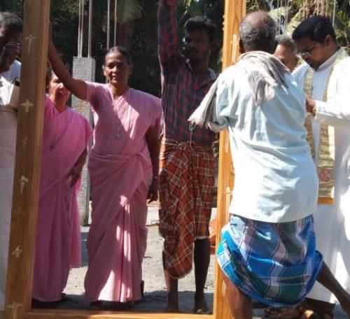 raising-entrance-door-ceremony-00003